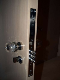 limed-oak-double-bedroom-security-locks