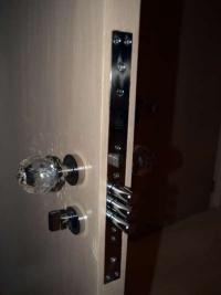 limed-oak-double-bedroom-security-locks