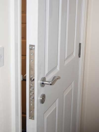 6-panel-wood-grained-door-white