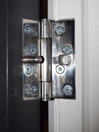 strengthened-door-hinges